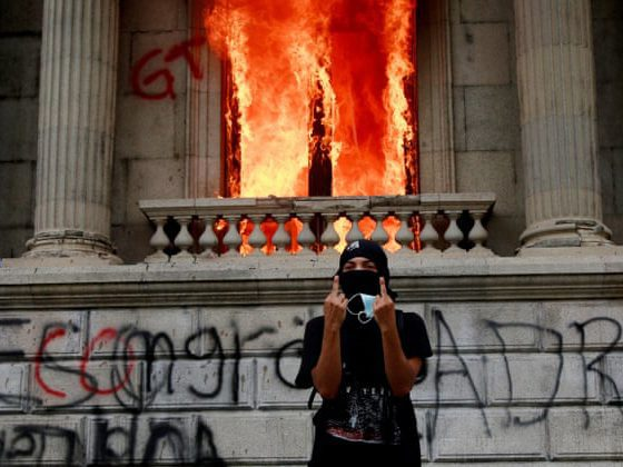 Guatemala protesters set congress on fire